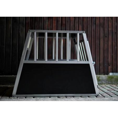 Kutyaszállító box 1 ajtós (64x54x50cm) small single door